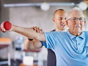 is_150724_elderly_exercise_800x600